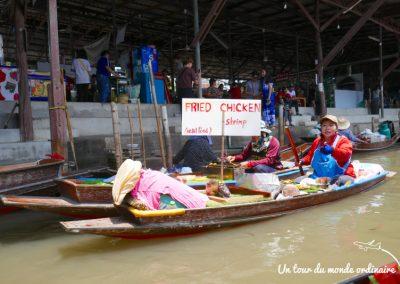 bangkok-marches-flottants-food-boat
