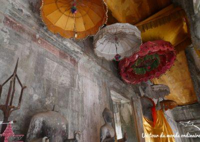 angkor-wat-details-ombrelles