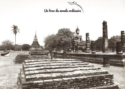 sukothai-parc-historique-noir-blanc