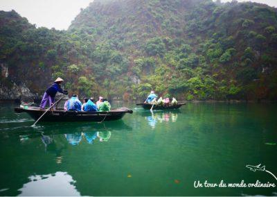 catba-baie-halong-boat-people